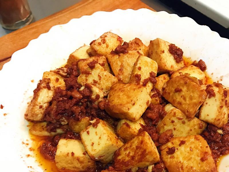 [懶人料理]辣肉醬豆腐