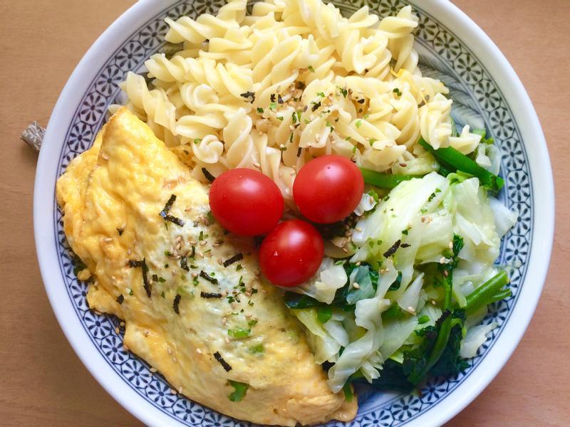 一個人隨便煮/義大利麵、歐姆蛋、蔬菜
