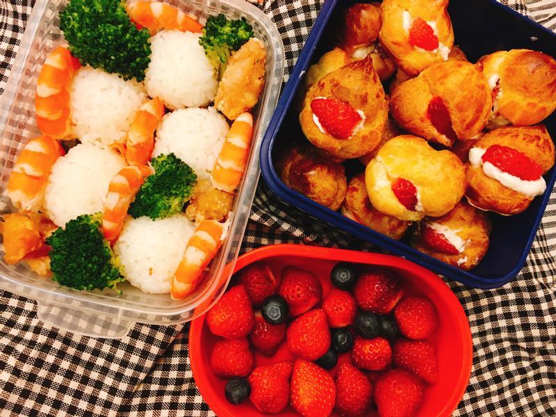 快樂野餐去-簡單卻華麗的草莓生乳小泡芙