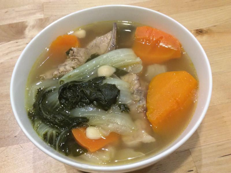 白菜紅蘿蔔豬骨湯「港式老火湯」