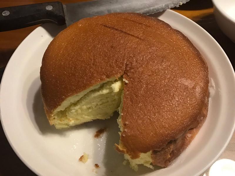 優酪戚風佐檸檬糖霜蛋糕