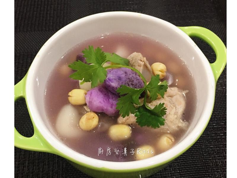 紫山藥蓮子排骨湯