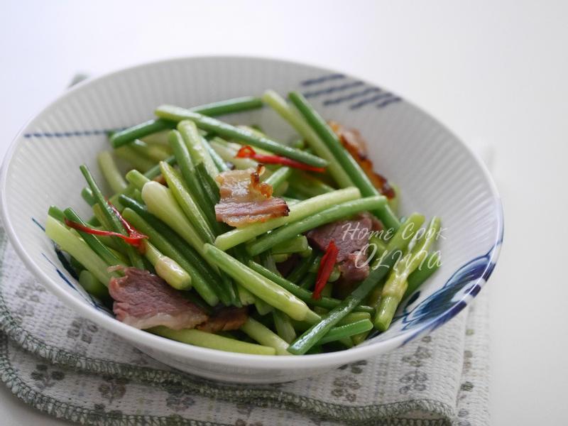 小廚娘❤臘肉炒蒜苔