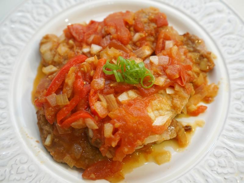 茄汁豬排。使用新鮮番茄醬汁!