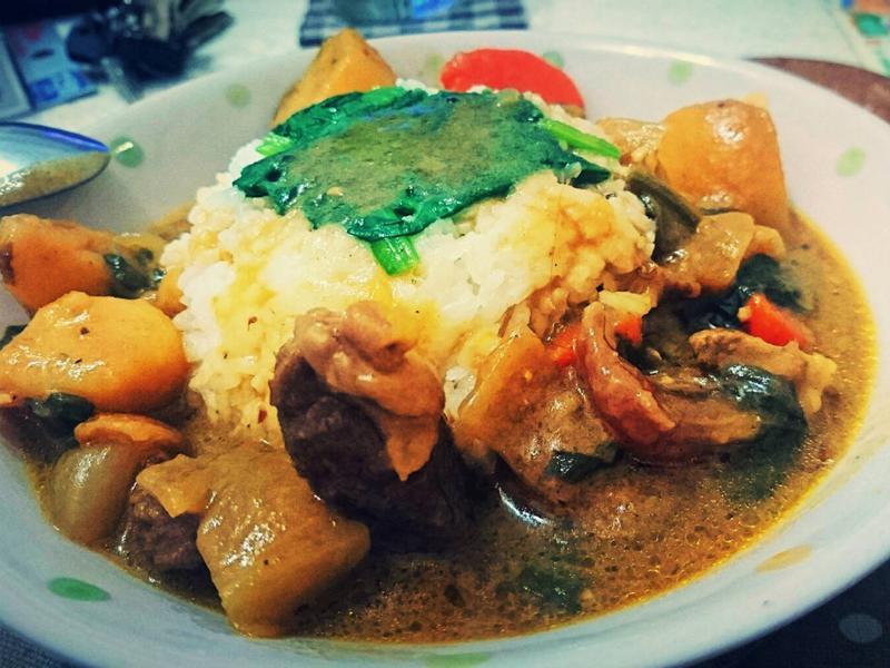 冬季暖心料理:菠菜牛筋咖哩飯
