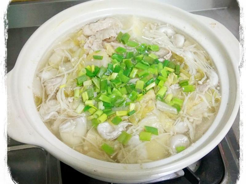 簡單版酸菜白肉鍋~懶人料理😜