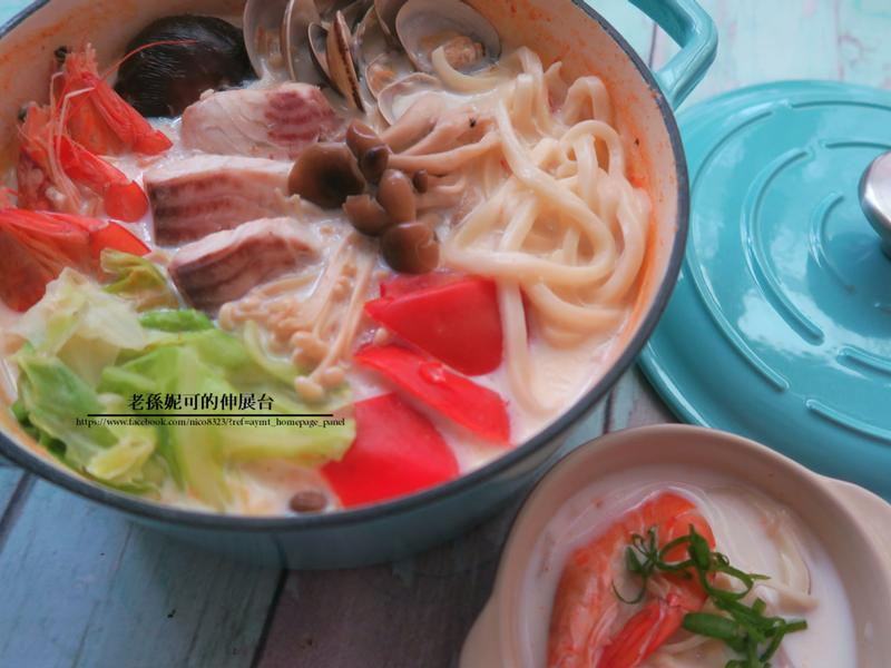 海鮮烏龍豆乳鍋