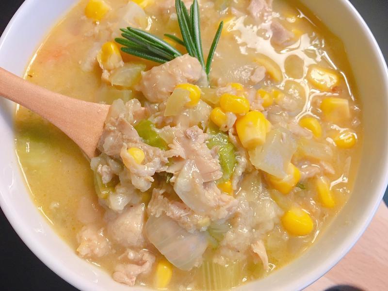 奶油蔬菜火雞濃湯
