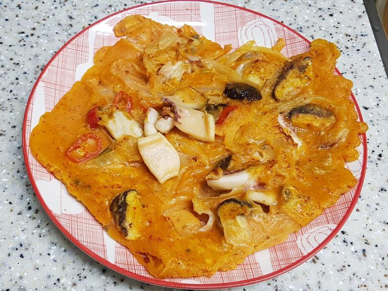(韓式)海鮮泡菜煎餅 해물김치부침개