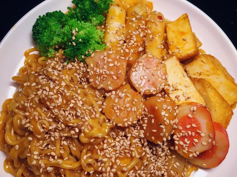 韓式辣炒年糕泡麵