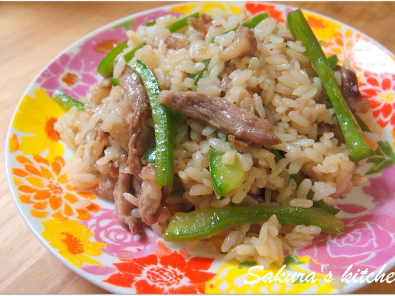 ♥我的手作料理♥ 青椒肉絲炒飯
