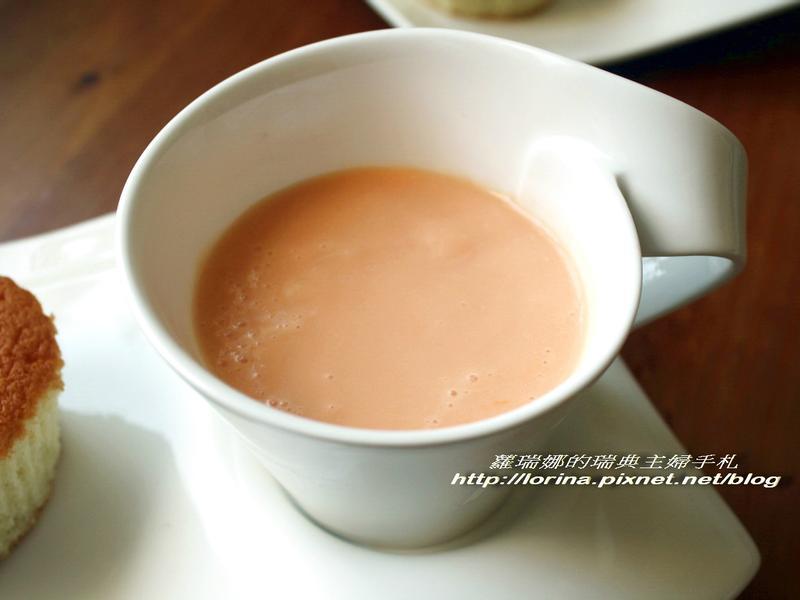 夏日必嚐的香濃木瓜牛奶