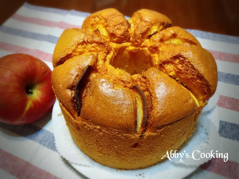 蘋果鑲優格戚風蛋糕