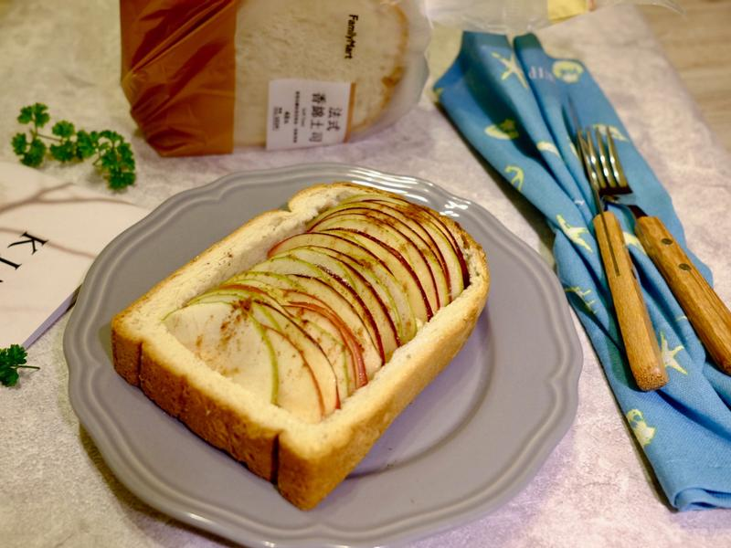 《瘋野餐》甜點!滿滿餡料的雙色蘋果烤吐司