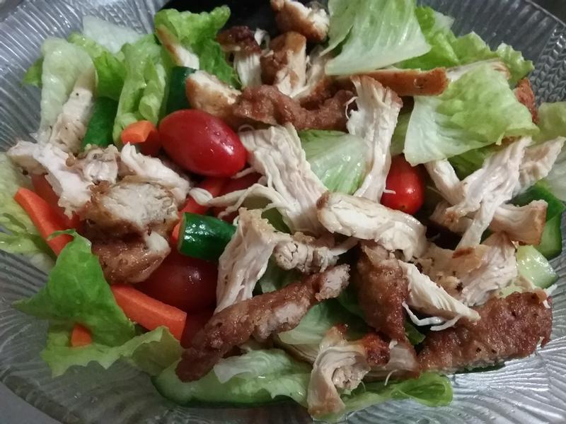 涼拌雞肉生菜沙拉