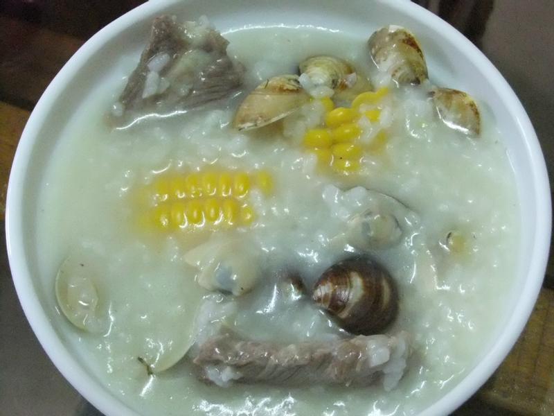 ღ小吟愛做菜ღ排骨玉米蛤蠣粥