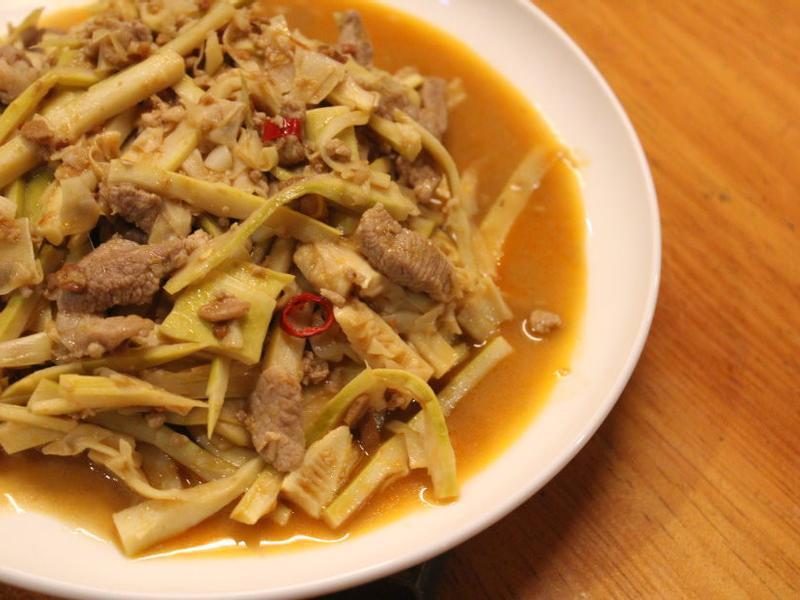 肉絲豆瓣醬炒桂竹筍