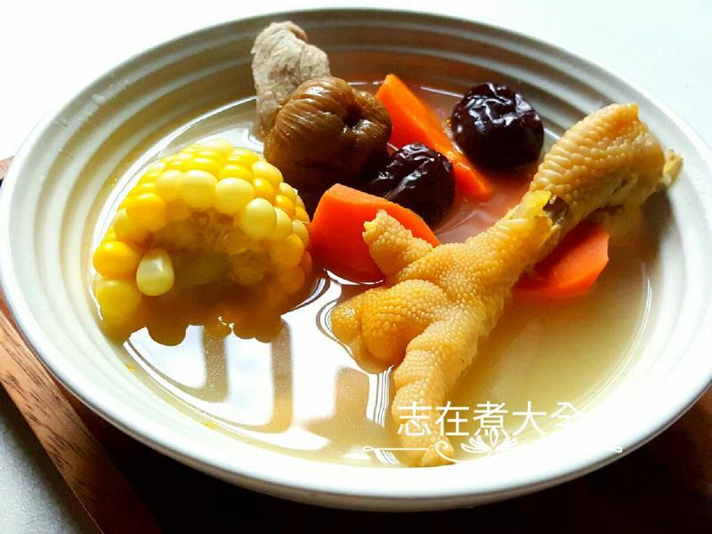 簡易入門粟米紅蘿蔔雞腳湯