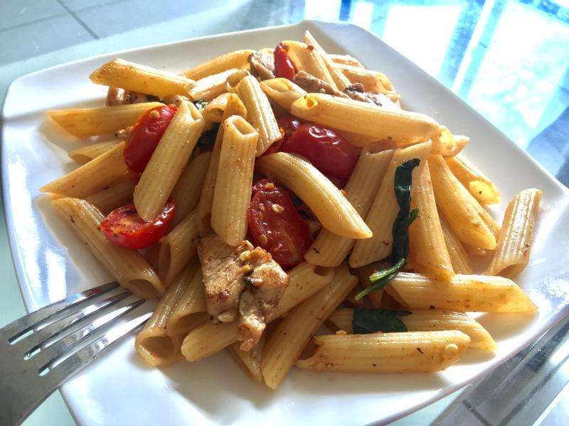 九層塔蒜香義大利麵