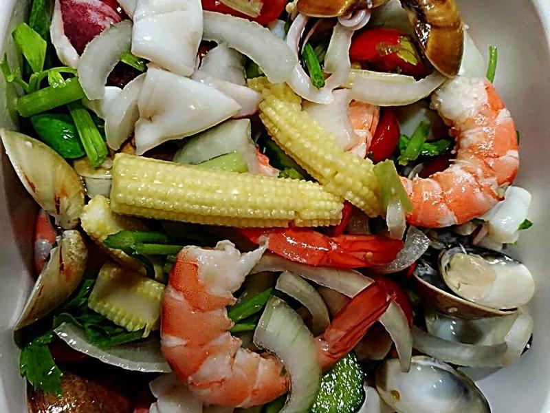 ❤️Aiko愛料理❤️泰式涼拌海鮮沙拉~