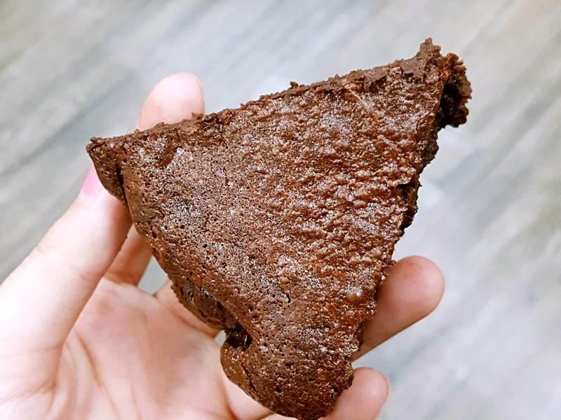 簡單零失敗 無麵粉超濃巧克力蛋糕