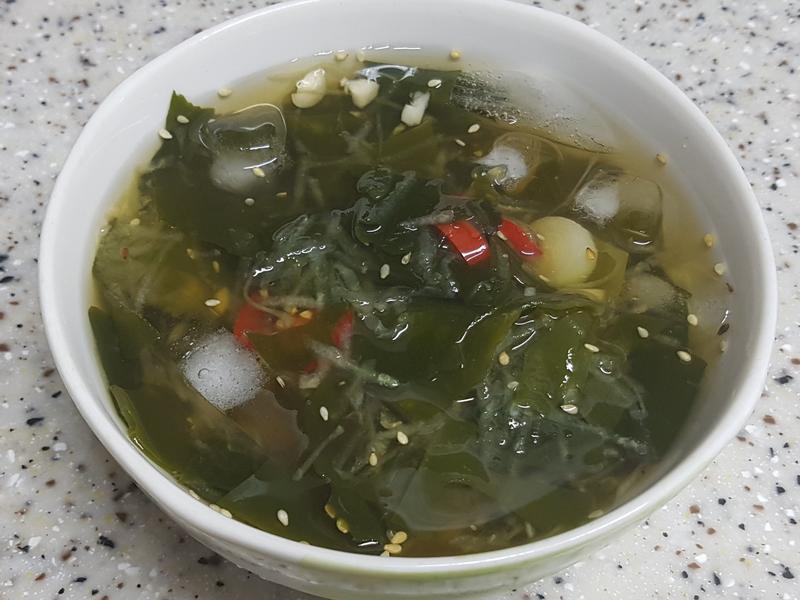 (韓式)小黃瓜海帶芽冷湯 오이미역냉국