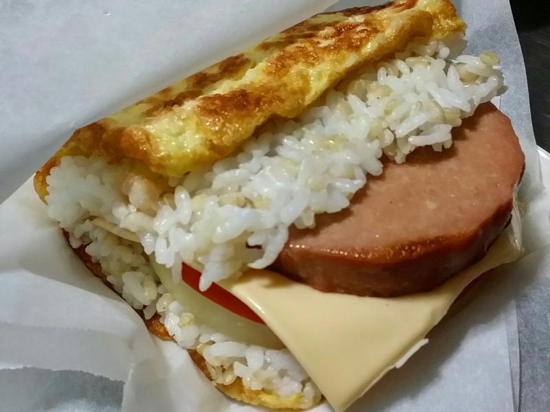 賢慧的愛妻早餐-素火腿起司蛋包飯糰