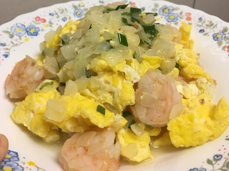 超簡單家常菜-洋蔥蝦仁炒蛋