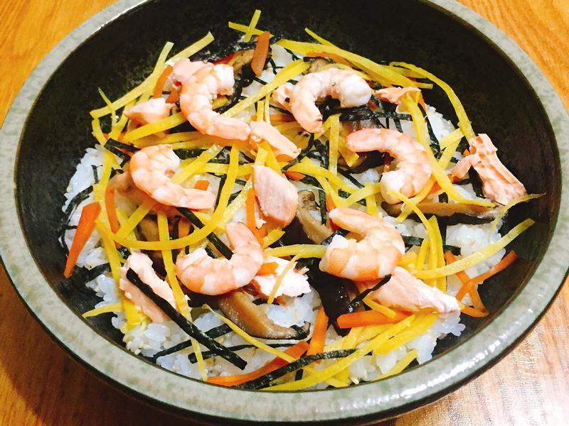 散壽司 (ちらし寿司)