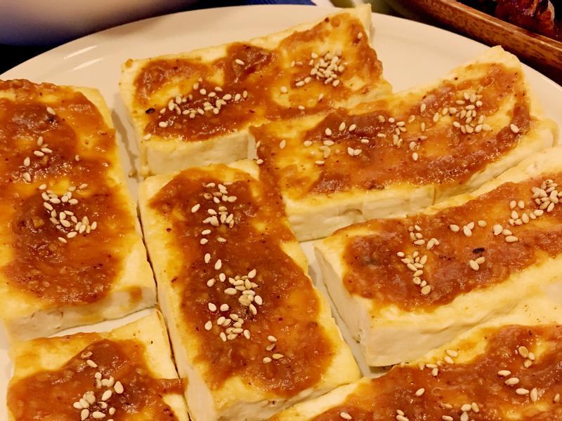 紅味磳板豆腐