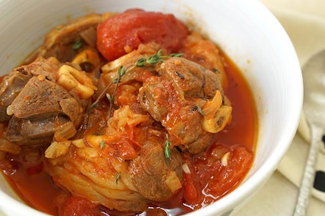 番茄燉羊膝