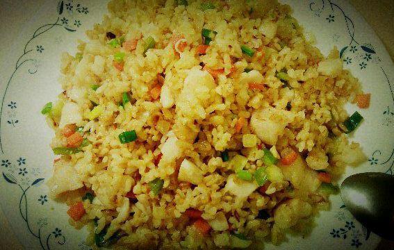 炒飯也可以很健康~多利魚炒糙米飯