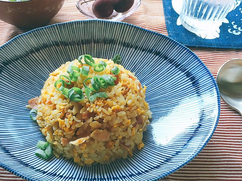 焦香醬油大蒜炒飯。俠飯日劇料理