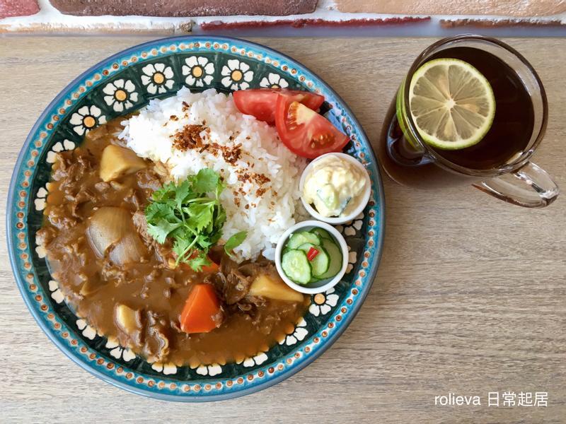 牛肉咖喱飯夕食