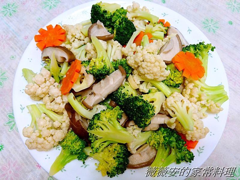 家常菜~雙色花椰菜炒鮮菇