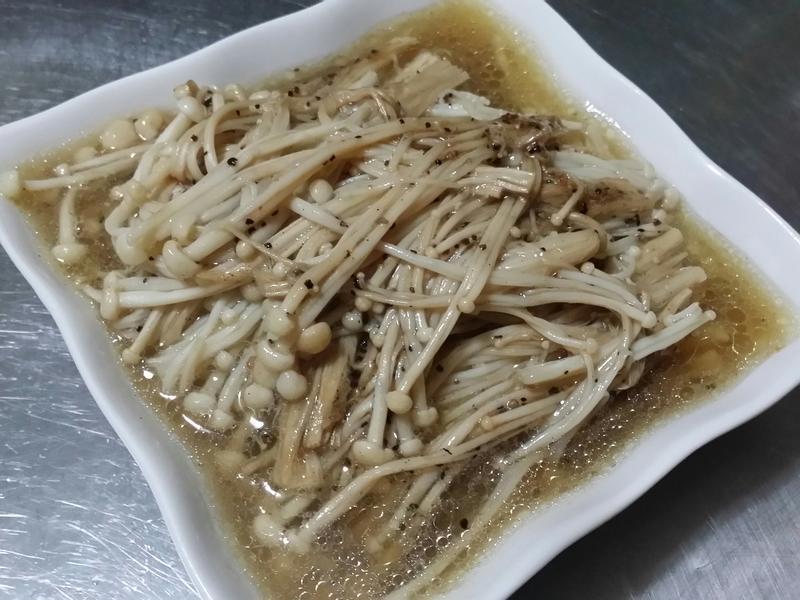 黑胡椒奶油金針菇♡