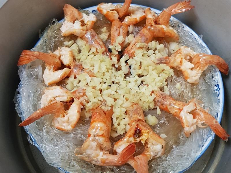 剩粉蒸蝦(鮮蝦粉絲煲)