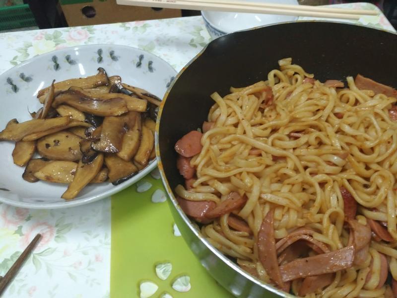 超簡單小菜 ! 醬油炒杏鮑菇 !