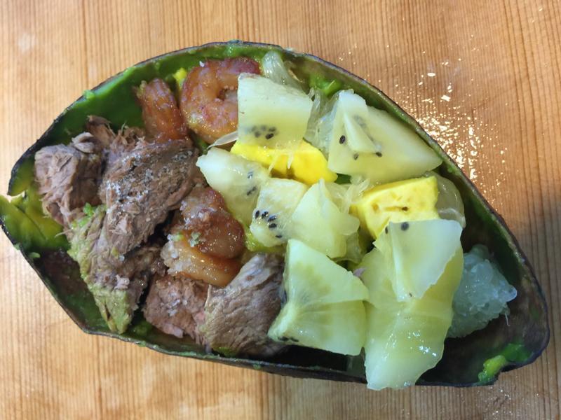 海陸酪梨餐,不管卡路里