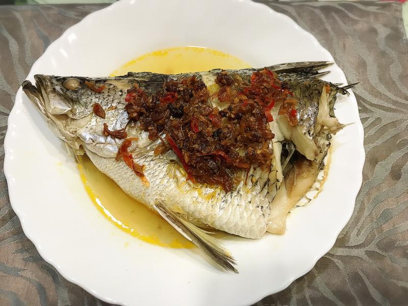 [電鍋料理]XO醬蒸鱸魚