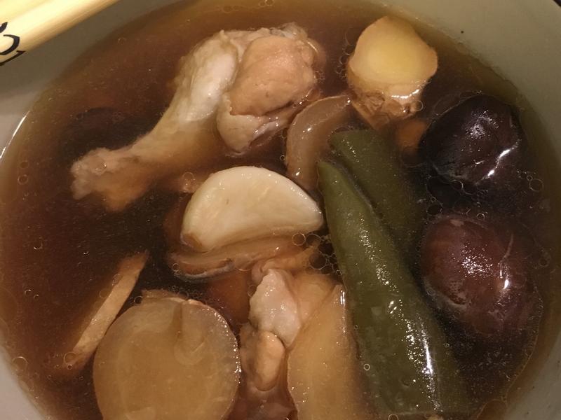 秋季進補*剝皮辣椒香菇雞湯