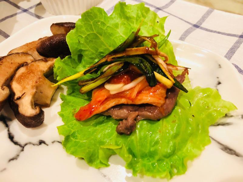 韓式生菜包肉(含辣蔥絲食譜)