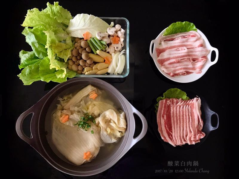 簡易酸菜白肉鍋(低醣生酮火鍋