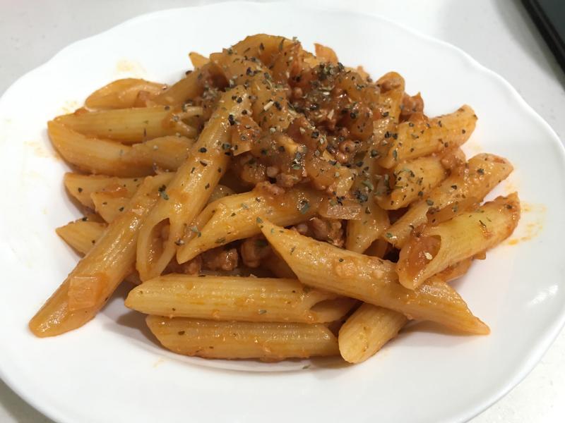 蕃茄肉醬斜管麵