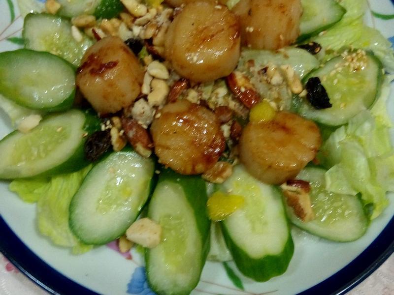干貝綜合堅果溫沙拉