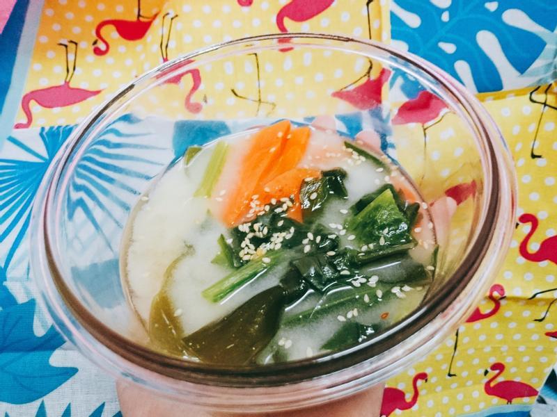 海帶蔬菜味噌湯