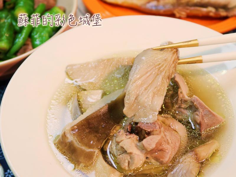 『鮑魚菇鮮雞湯』超級鮮美的簡單電鍋料理