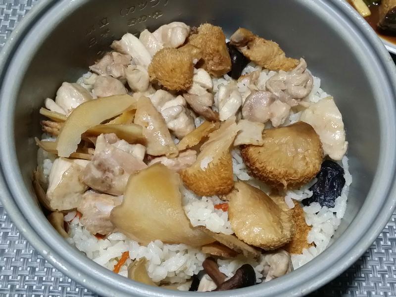 麻油猴頭菇炊飯♡