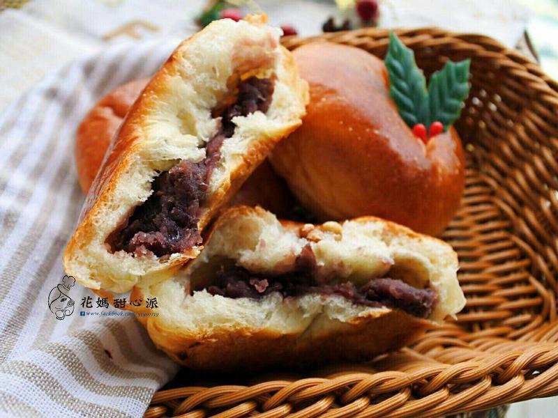 鮮奶紅豆麵包