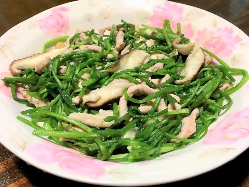 鮮菇肉絲炒水蓮